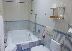 Hotel Giulio Cesare - ตูริน - ห้องน้ำ