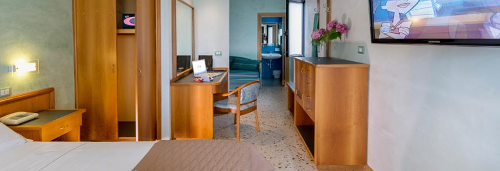 Hotel Maja - Pescara - Bedroom