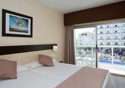 Marconfort Griego Hotel - ทอร์เรโมลินอส - ห้องนอน