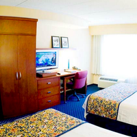 Courtyard by Marriott Pensacola Downtown Guest room