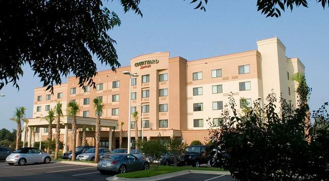 Courtyard by Marriott Pensacola Downtown - Pensacola - Building