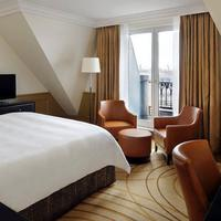 Paris Marriott Champs Elysees Hotel Guest room