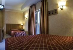 Motel Salaria - โรม - ห้องนอน