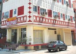 Hotel Deepak Jaipur - ชัยปุระ - อาคาร