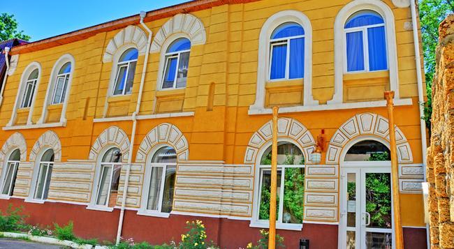Guest House De Rishelye - Odessa - Building