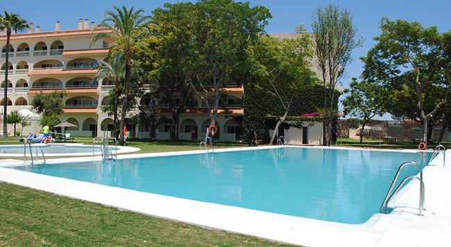 Gran Hotel del Coto - Matalascañas - Pool