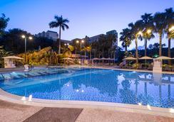 Disney's Hollywood Hotel - ฮ่องกง - สระว่ายน้ำ
