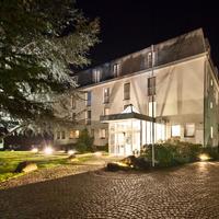 Novum Hotel Silence Garden Köln Brück Hotel Front - Evening/Night