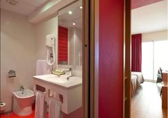 Hotel Benidorm Plaza - เบนิดอร์ - ห้องน้ำ