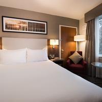 DoubleTree by Hilton Aberdeen Treetops Hotel Guest room