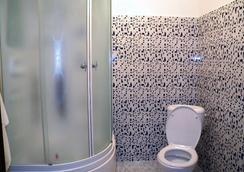 Apple Hostel - อัสตานา - ห้องน้ำ