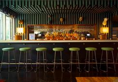 McCarren Hotel & Pool - บรูคลิน - บาร์