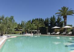 Hotel Terranobile Metaresort - บารี - สระว่ายน้ำ