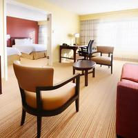 Courtyard by Marriott Houston Hobby Airport Guest room