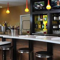 Courtyard by Marriott Houston Hobby Airport Bar/Lounge