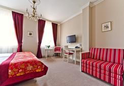 Hotel Schanel Résidence - เซอร์ซูฟ - ห้องนอน