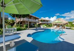 Sapphire Beach Resort - ซานเปโดร - วิวภายนอก