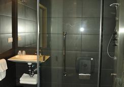 Pensión C7 - ซานเซบัสเตียน - ห้องน้ำ