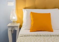 B&B Onda Marina Rooms - กายารี่ - สนามกอล์ฟ