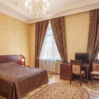 Nikitin Hotel Guestroom