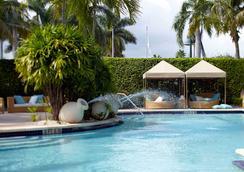Renaissance Fort Lauderdale Cruise Port Hotel - ฟอร์ต ลอเดอร์เดล - สระว่ายน้ำ