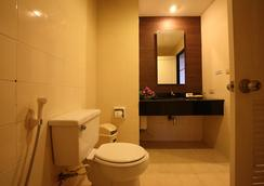 Royal Diamond Hotel - เพชรบุรี - ห้องน้ำ