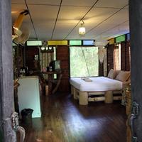 Khao Sok Tree House Guestroom