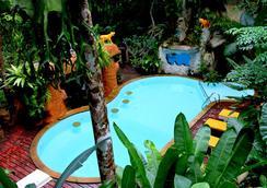 Khao Sok Tree House - Phanom - สระว่ายน้ำ