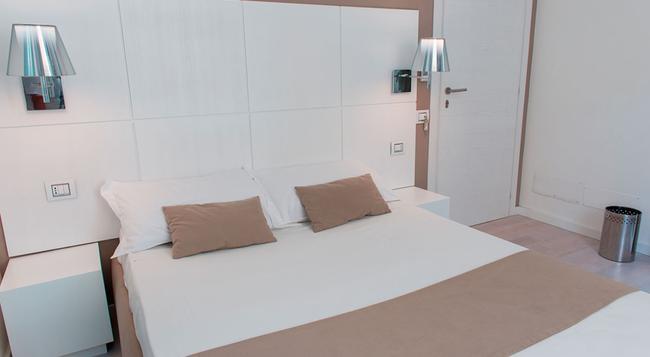 Birkin Luxury Rooms Villanova - Cagliari - Bedroom