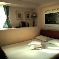 Fivos Hotel - Hostel Guestroom