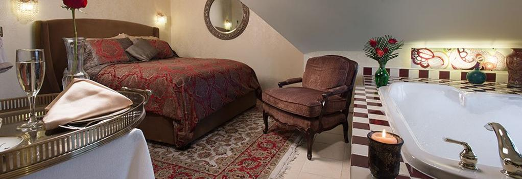 The Historic Webster House - Bay City - Bedroom