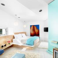 Kimber Modern Guestroom