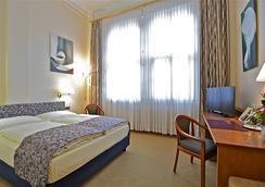 Hotel Viktoria - โคโลญ - ห้องนอน