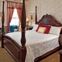 The Kalamazoo House Bed & Breakfast Guestroom