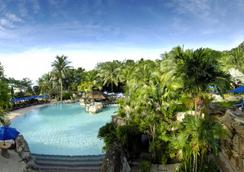 Berjaya Langkawi Resort - ลังกาวี - สระว่ายน้ำ