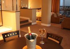 Century Plaza Hotel & Spa - แวนคูเวอร์ - ห้องนอน