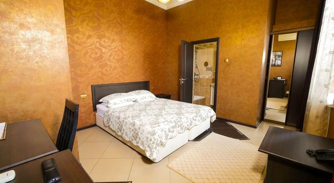 Greek House Hotel - Krasnodar - Bedroom