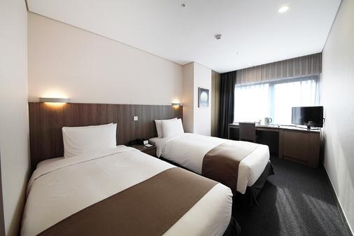 โรงแรมเซ็นทรัลมาร์ค - โซล - ห้องนอน