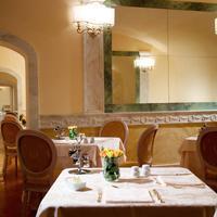 Hosianum Palace Dining