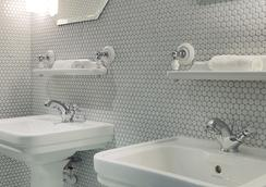 Hotel Bachaumont - ปารีส - ห้องน้ำ