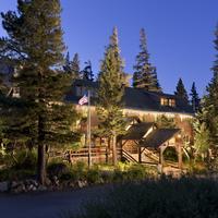 Tamarack Lodge Exterior