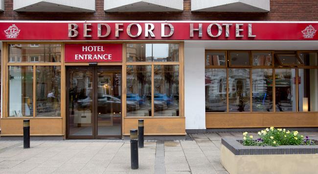 Bedford Hotel - London - Building