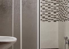 Hotel Pyramid - โรม - ห้องน้ำ