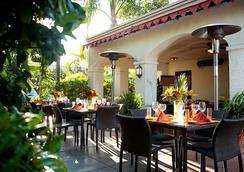 Anabella Hotel - อนาไฮม์ - ร้านอาหาร
