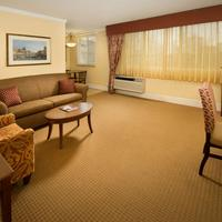 Park Lane Suites & Inn Suite