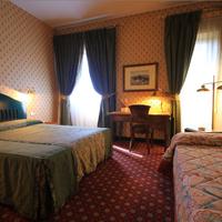 Colony Hotel Guestroom