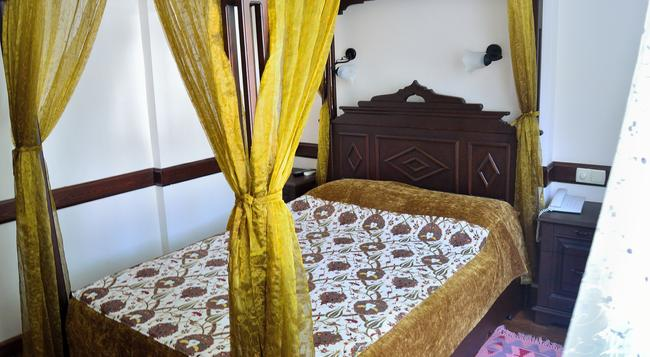 Hotel Alp Guesthouse - Istanbul - Bedroom