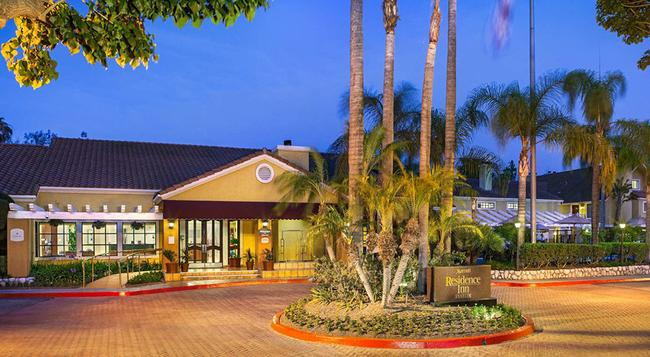 Residence Inn by Marriott Anaheim Maingate - Anaheim - Building