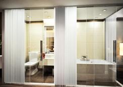 Eco Premier Hotel - ฮานอย - ห้องน้ำ