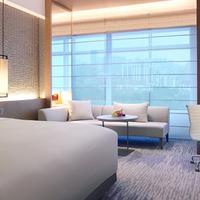 New World Shanghai Hotel Guestroom